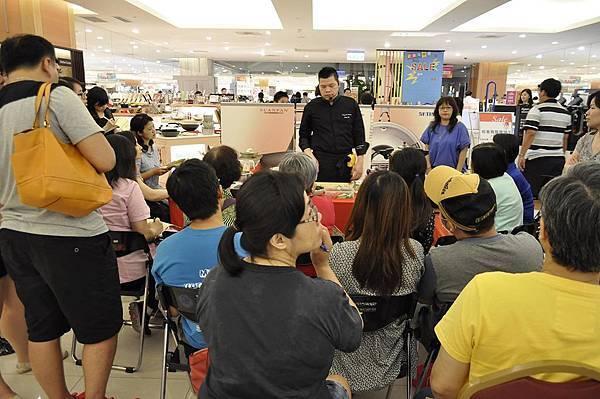 均岱鍋具六月六日SOGO新竹巨城專櫃廚師示範