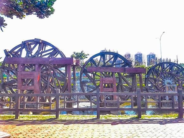 三連式水車.jpg