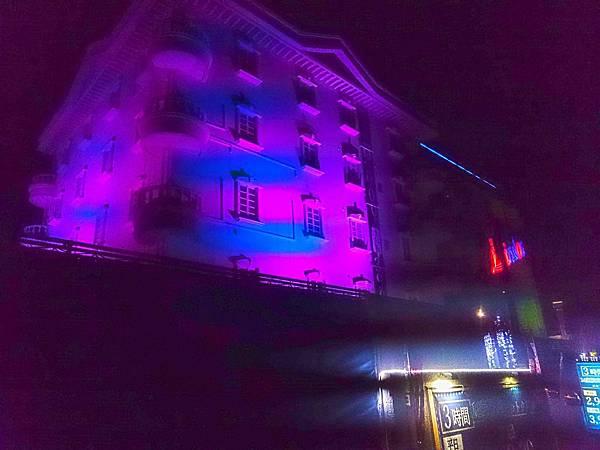 花園飯店夜景燈光.jpg