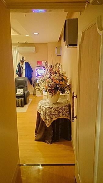 花園飯店房內通道.jpg