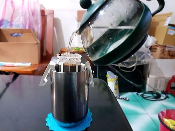 咖啡沖泡中.jpg