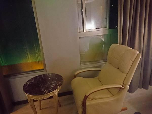 沙發+茶几.jpg
