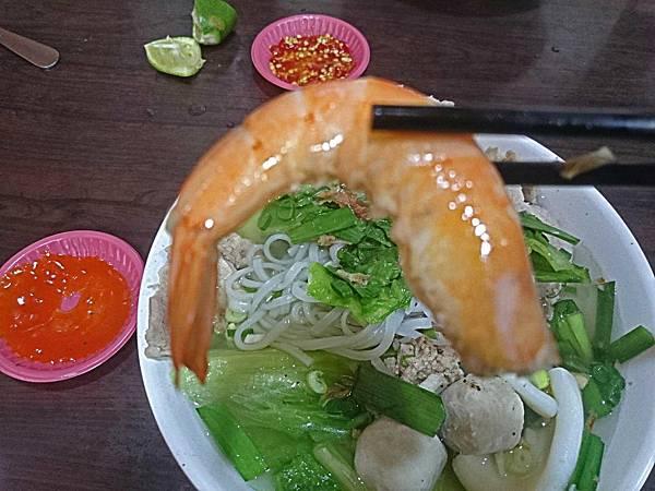 半剝殼的蝦.jpg