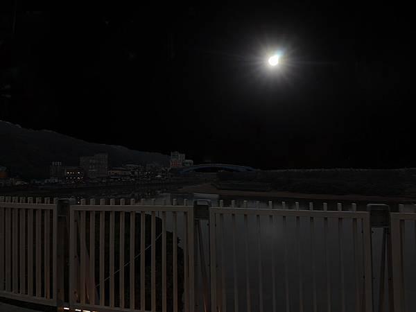 水尾泛月.jpg