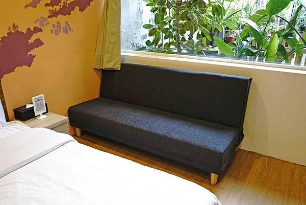 沙發.jpg