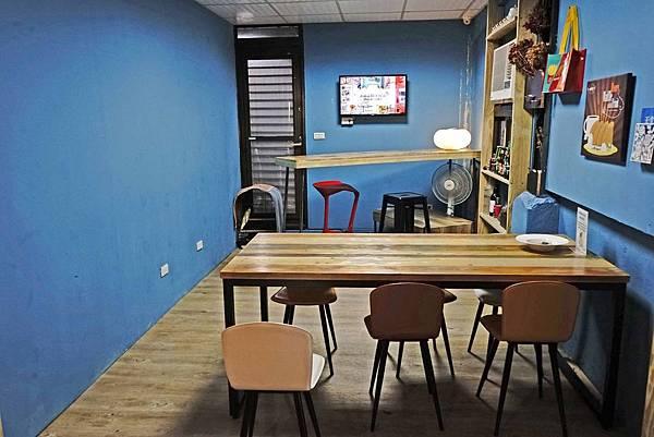 Wow Lounge.jpg