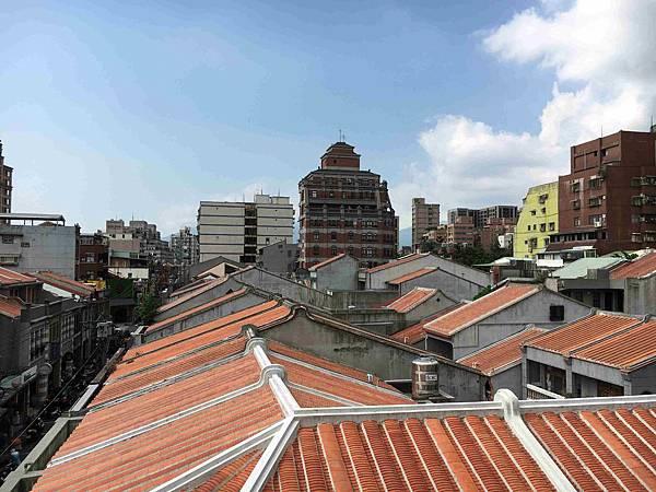 閩南式屋頂叢.jpg