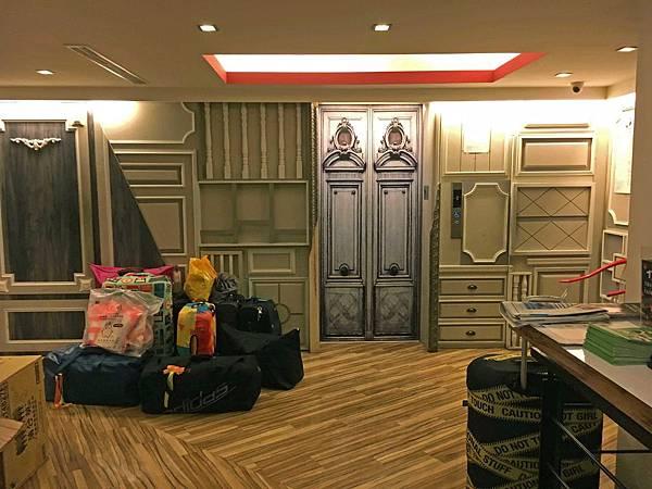 行李‧電梯.jpg