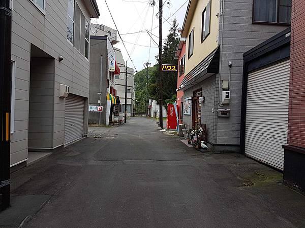 路口小巷.jpg