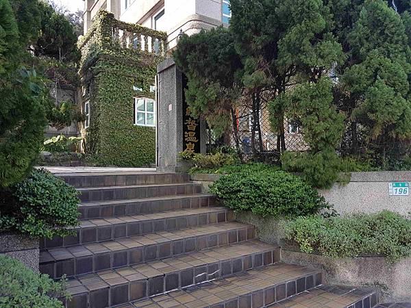 入口階梯.jpg