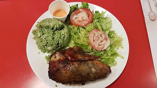 4分之1烤雞+沙拉+秘魯青醬燉飯+特製秘魯醬料.jpg