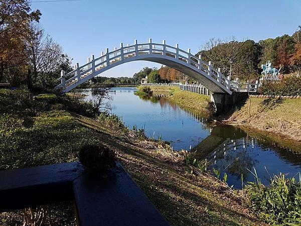 拱橋.jpg