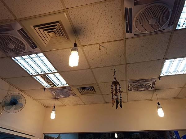吊燈.jpg
