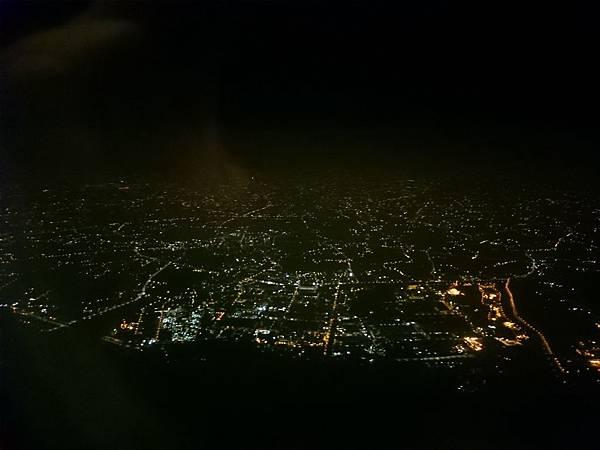 夜間燈光.JPG