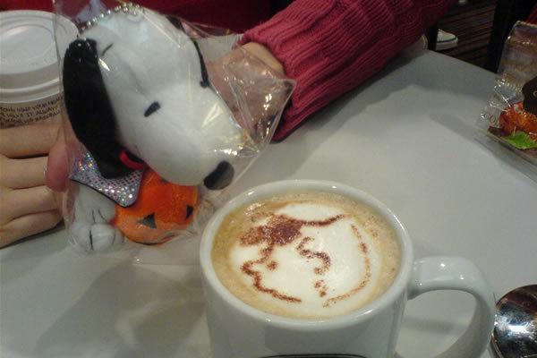 萬聖節snoopy 跟 sally latte