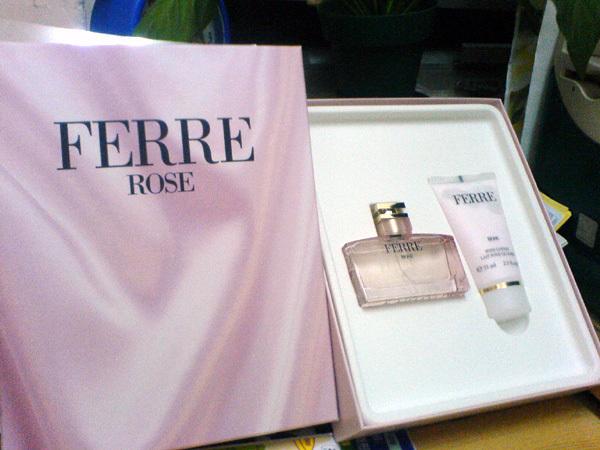 Ferre Rose 香水 & body lotion