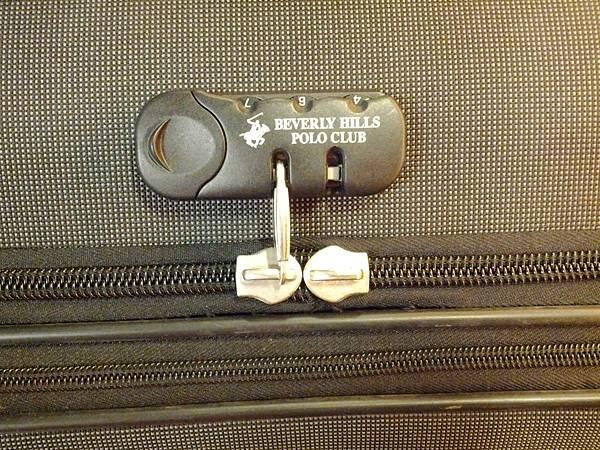 爛掉的行李箱