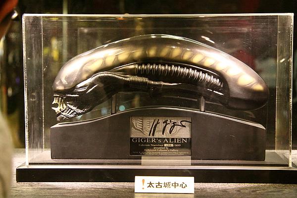 Aliens 簽名figure