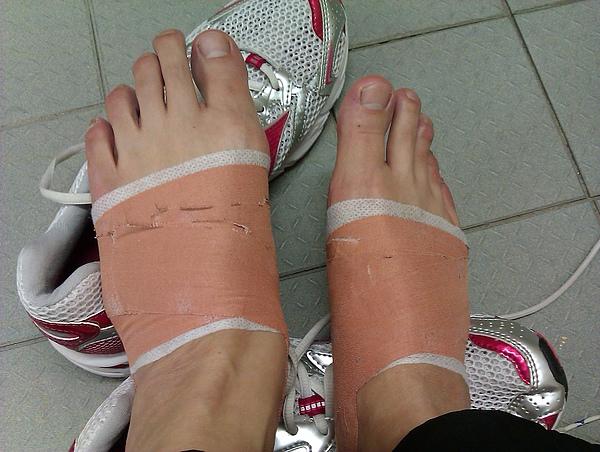 之前物理治療師幫我紮來練習的...