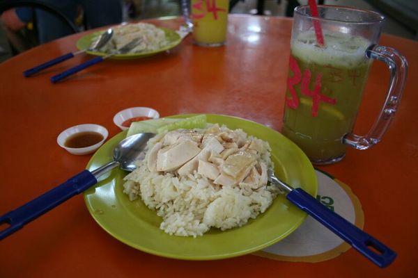 新加坡牛車水 Maxwell food centre 天天海南雞飯