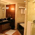 Oriental Singapore - bathroom