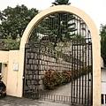 主教山教堂門口
