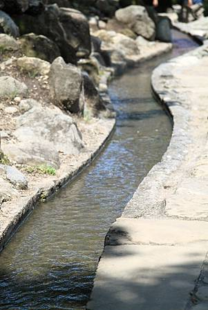 台東 水往上流