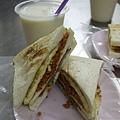 大ㄎㄡ胖碳烤三明治 - 肉鬆三明治