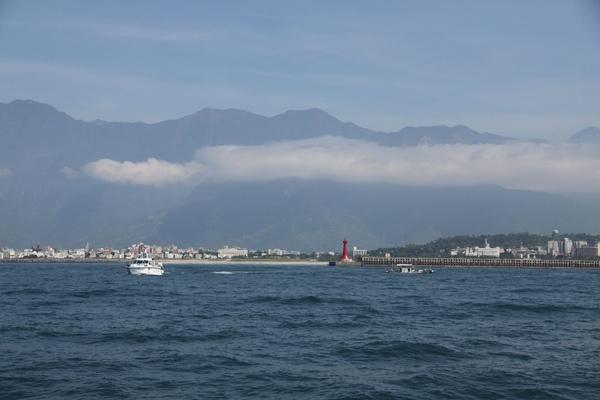 回看花蓮港