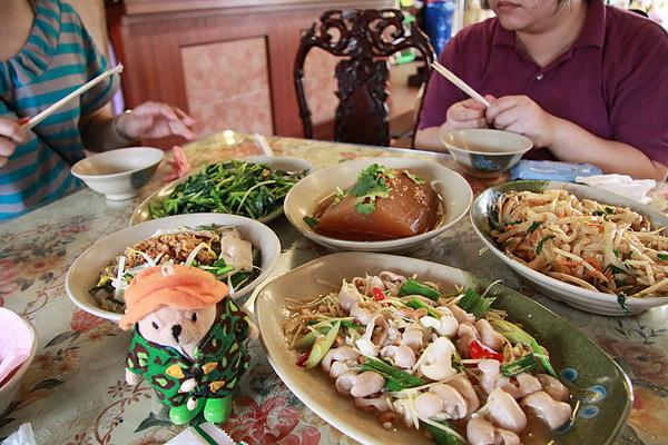 2010.3 美濃鎮 原傘緣紙傘文化村 客家菜午餐