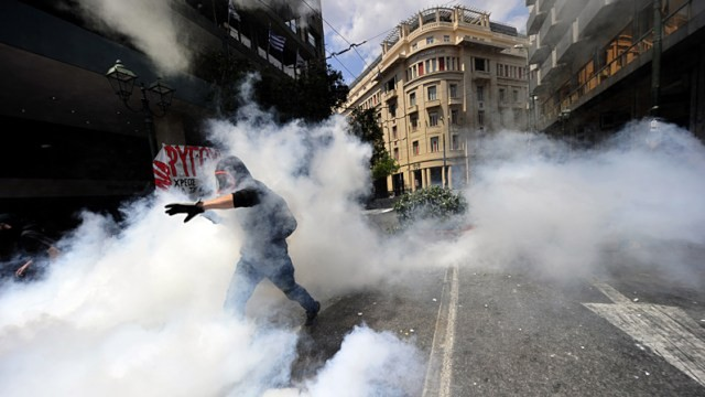 gty_greece_protests_ll_110628_wg.jpg
