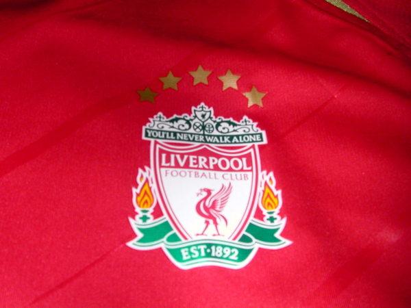 五顆星星代表拿了五次歐冠