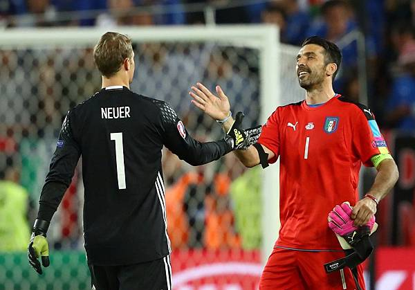 Manuel Neuer and Gigi Buffon