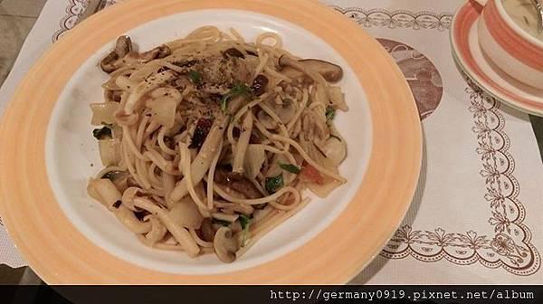 菌菇蒜香辣味義大利麵