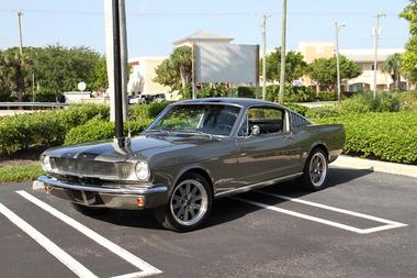 驚天動地60秒中讓尼可拉斯凱吉的最愛  1965年的 FORD Mustang GT