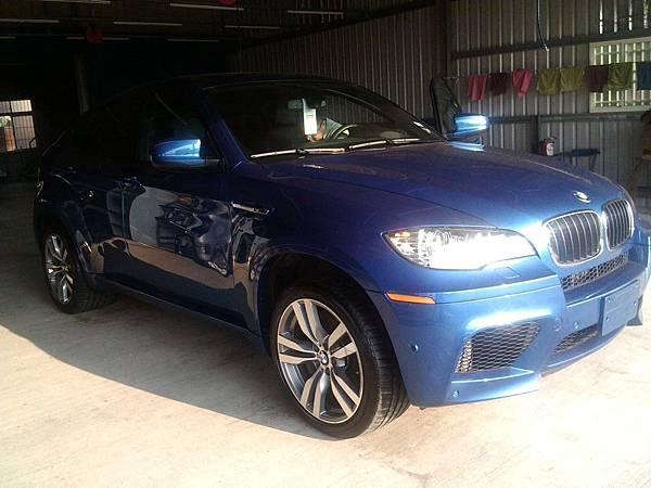 10 BMW X6.jpg