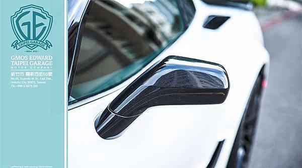 Z06現在配備了一個可拆卸的,輕量級的碳纖維車頂面板。6