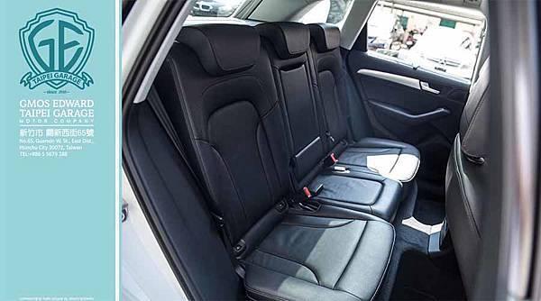 2,807mm的軸距賦予本車寬敞充裕的後座空間,全景式電動玻璃天窗是標準配備,對車室採光與氛圍頗有助益。