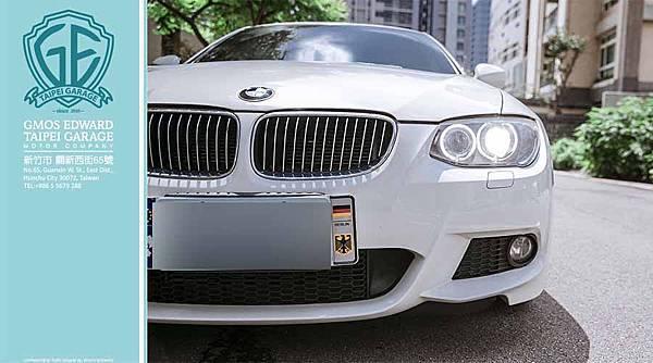 今天GE台北車要介紹的就是深受許多年輕人喜愛的車款正09年.12年式 BMW E92 335Icoupe M-SPORT價格.規格.性能介紹.配備大滿配!外匯車 美規  12年式 BMW E92 335Icoupe M-SPORT售價NT140萬  09年BMW E92 335Icoupe M-SPORT售價NT130萬  這兩台白色的BMW E92 335IcoupeM-SPORT都是車主寄賣喔!  這款E92車型的335i ,雖然從開始上市開賣至今,但它外型車身線條的設計依然是不敗款,也算是BMW 雙門轎跑車型的重大改變!除了外觀,最重要的當然是他的引擎動力,雙渦輪增壓引擎,3000cc排氣量306P的馬力,讓許多熱血的車友們眼睛為之一亮。他的話題總是不斷,除了外觀吸引人,動力也讓人體驗一次就迷上了。當然,後續的改裝CP值也是一拜,動力要上看500p絕對不是難事,就連小編也對他一度的迷戀......  小編先介紹BMW E92 335IcoupeM-SPORT的性能  由於335i Coupe的底盤系統早就用上了M Sport版本的懸掛套件來提升彎道性能,因此在這部分並沒有進行更大的變化,只是敞篷版本的懸掛高度降低了1釐米而已,並將彈簧和避震器的硬度調到了M版本相同的水準,帶來的結果其實也不難想像,那就是更高的彎道通過速度和略顯突兀的顛簸過濾水準。