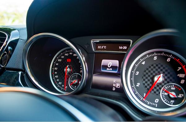 今天GE台北車庫要介紹16年 賓士GLE450 AMG Coupe價格.性能.規格介紹!!配備大全配 接單價420萬 限時7天(外匯車 美規)  美國接單引進(進口車代辦)一般的朋友可能不是那麼了解!簡單來說就是美國買車回台灣,依照客戶的預算.年份.車款顏色.配備來做的服務。  (價格會隨著配備.年份.車款顏色.匯率略有浮動喔,請各位朋友一定要注意喔)