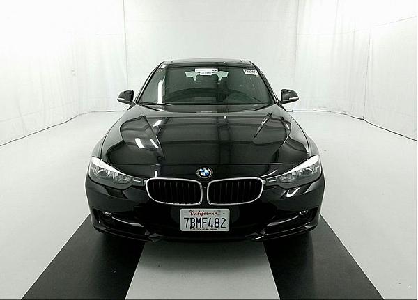 13年 BMW328I Sport Line 運動版 黑 #40524 價格132萬  里程 3.9萬英里  配備 HID頭燈.keyless