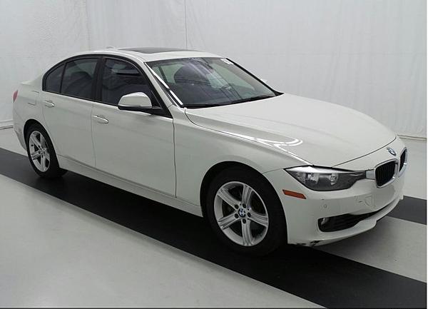 14年 BMW328I 白 #05287 價格134萬  里程 2.1萬英里  配備 HID頭燈.keyless.大螢幕.抬頭顯示器.倒車雷達.倒車顯影