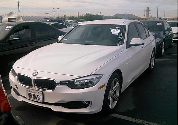 14年 BMW328I 白 #15091 價格126萬  里程 2萬英里  配備 HID頭燈.keyless.大螢幕(無天窗)
