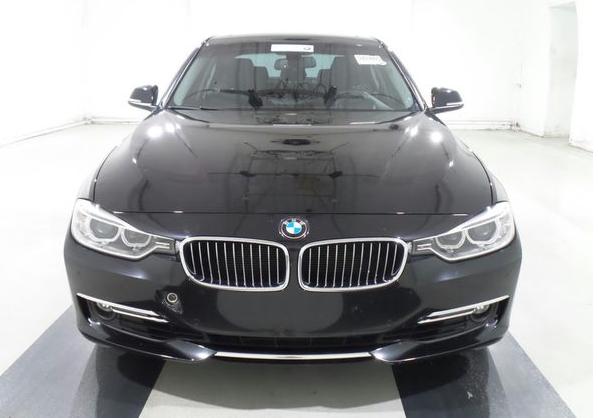 13年 BMW328I 黑 豪華版 #42510 價格128萬  里程 5.8萬英里  配備 HID頭燈.keyless.大螢幕.倒車雷達.抬頭顯示器