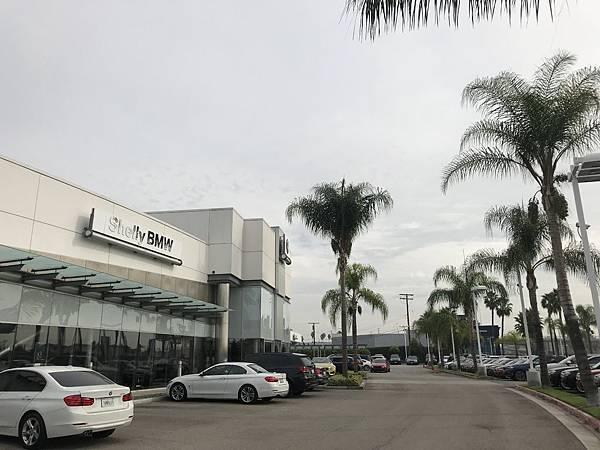 接下來呢,GE台北車庫又馬不停蹄地趕到了美國BMW原廠賞車,這邊除了全新車也有CPO就是所謂原廠認證車可以看哦!