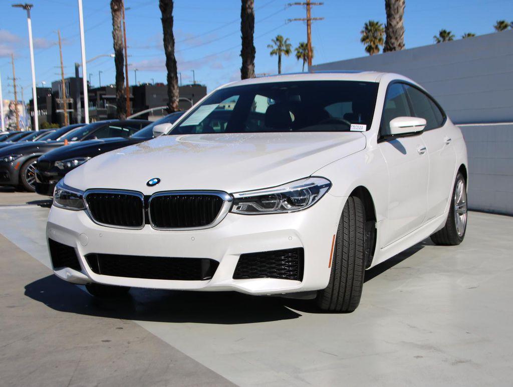 正2018年BMW 640i (G32) Gran Turismo M-sport外白內黑色 低里程1萬英里 團購價$293萬 配備:LED頭燈,免鑰匙,真皮加熱方向盤/換檔撥片,電動前後椅背/加熱/記憶座椅,全景電動天窗,  胎壓監測系統,抬頭顯示器,導航系統,自動停車輔助,側風輔助後擾流板,電動尾門