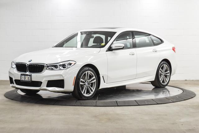 正2018年BMW 640i (G32) Gran Turismo M-sport外白內黑色 全輪驅動 超低里程7千英里 團購價$305萬  配備:LED頭燈,免鑰匙,木紋內飾,真皮加熱方向盤/換檔撥片,電動前後椅背/加熱/記憶座椅,全景電動天窗,  胎壓監測系統,盲點偵測,抬頭顯示器,導航系統,倒車顯影,自動停車輔助,側風輔助後擾流板,手機無線充電,電動尾門