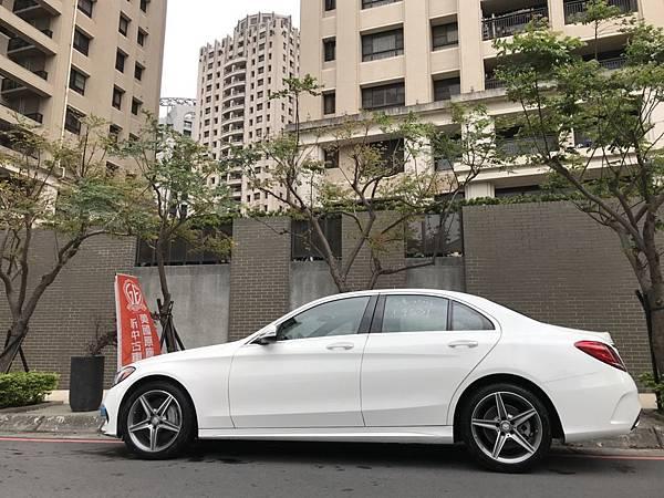 15c300#美國外匯車c300駕駛心得評價比較與台灣代理商c200的差異性.jpg
