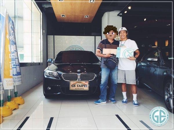 上圖為鋒哥委託GE台北車庫帶但進口的美國BMW 528i外匯車順利交車啦!!  鋒哥很感謝GE台北車庫協助從美國買車、出口報關,一路到台灣得驗車流程、領牌都幫他處理的妥當又心安~