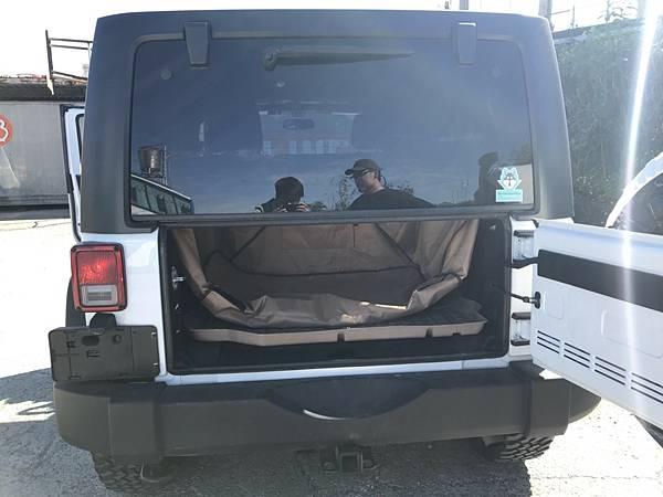 jeep 進口回台灣,如何通過台灣測試法規,價格會是多少呢.jpg